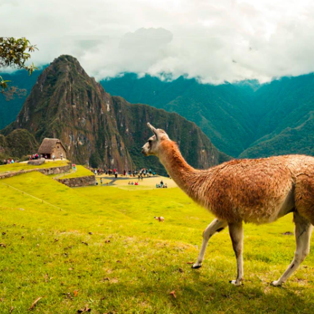 Aguas-Calientes-Peru-1